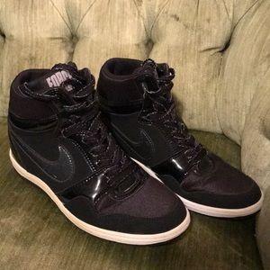 Nike with heel elevation